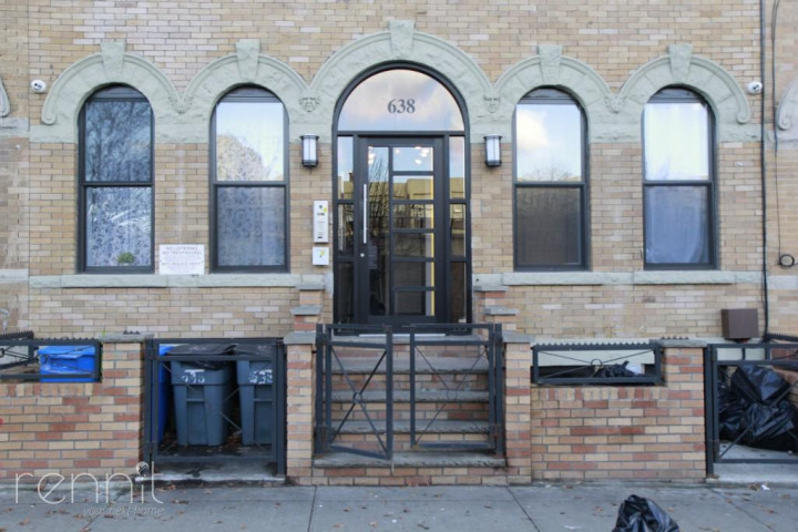 638 Wilson Avenue, Apt 2R Image 12