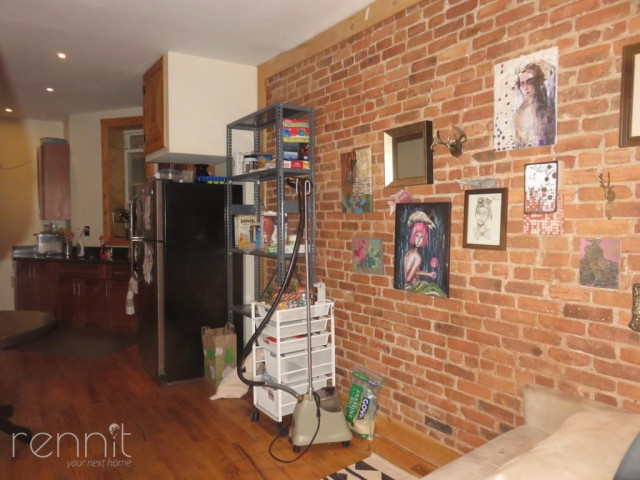 645 Willoughby Ave, Apt 3 Image 2