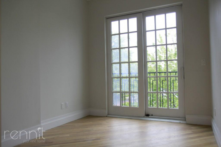 1028 Madison Street, Apt 5 Image 4