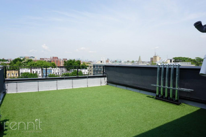 1028 Madison Street, Apt 5 Image 9