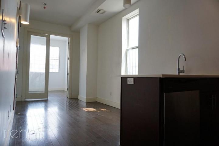 22 Harrison Place, Apt 1L Image 10