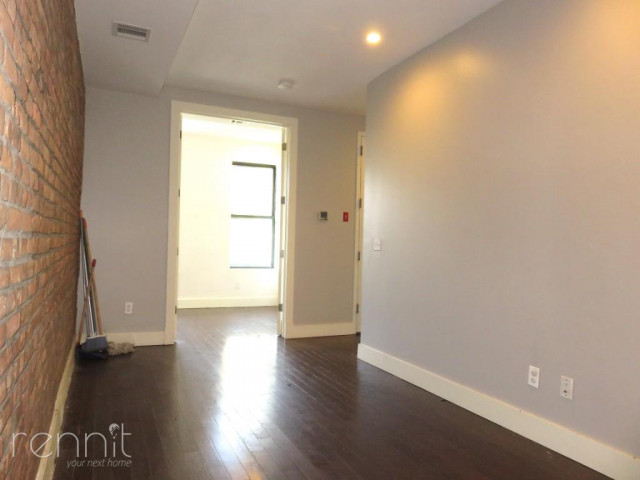 309 TOMPKINS AVE., Apt 4A Image 2