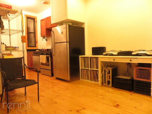 1056 Willoughby Ave, Apt 2F Image 1