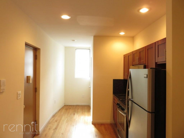 677 Lincoln Place, Apt 1A Image 2