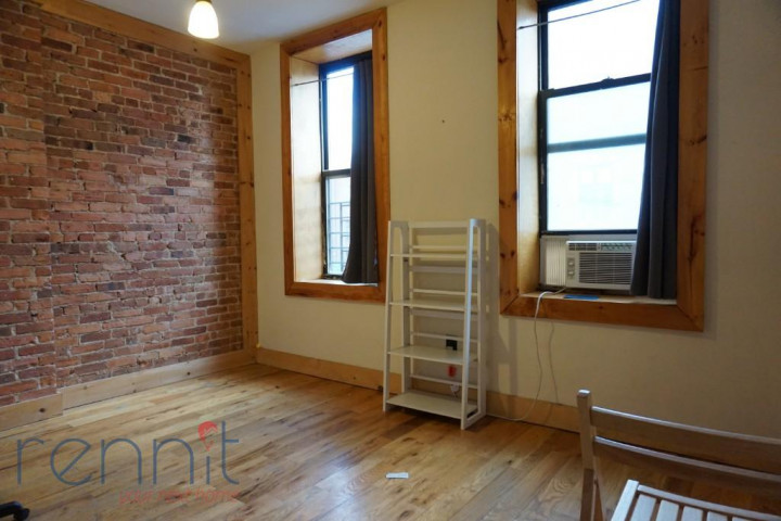 645 Willoughby Ave, Apt 4D Image 4