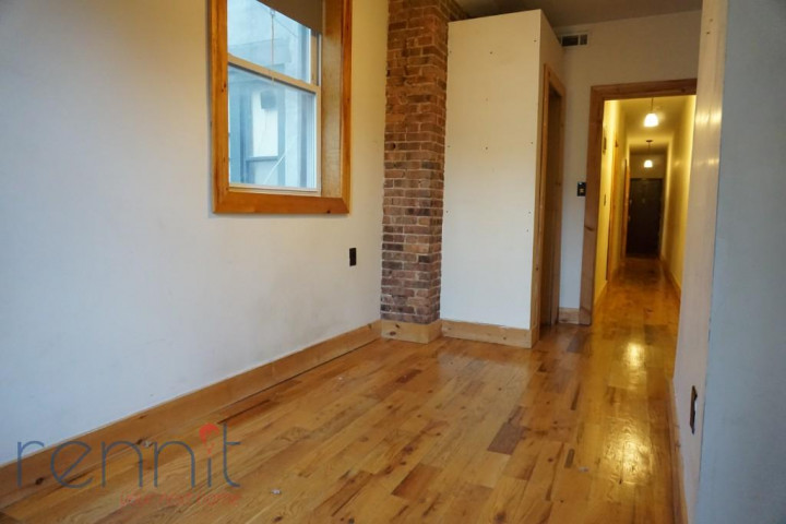 645 Willoughby Ave, Apt 4D Image 3