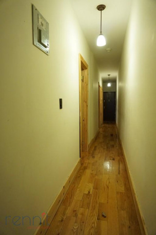 645 Willoughby Ave, Apt 4D Image 23
