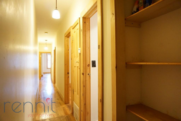 645 Willoughby Ave, Apt 4D Image 5