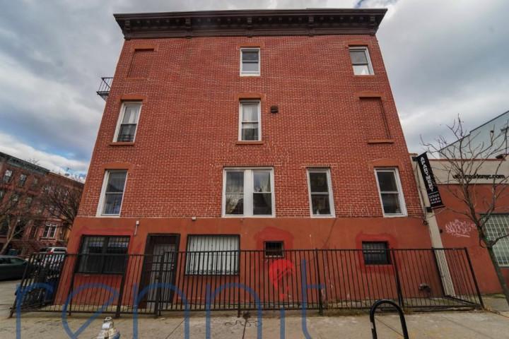 636 St Marks Ave, Apt 3R Image 20