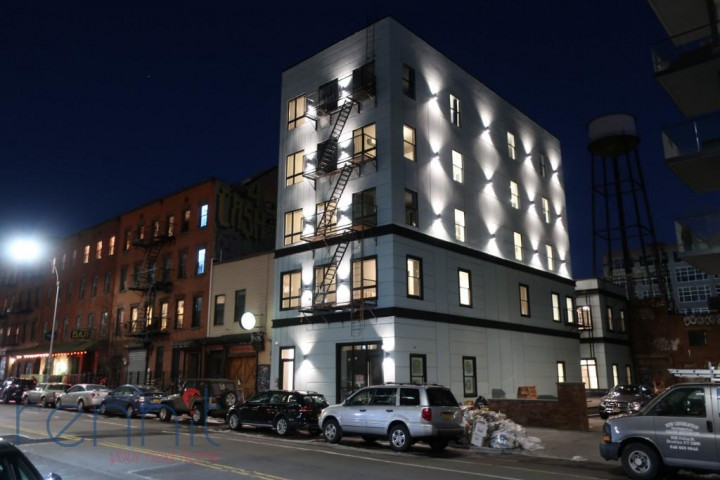 58 Greenpoint Ave, Apt 4A Image 12