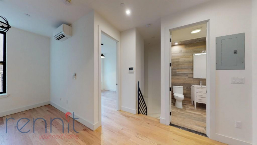 800 KNICKERBOCKER AVE., Apt 1B Image 1