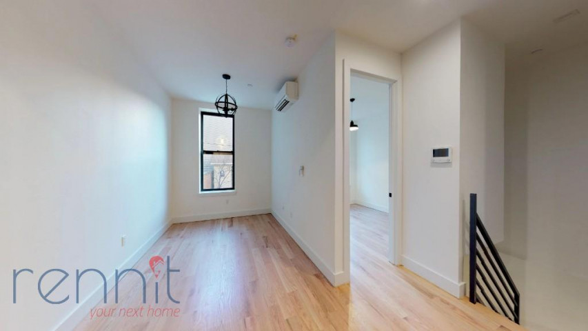 800 KNICKERBOCKER AVE., Apt 1B Image 4