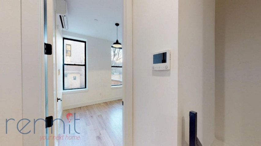 800 KNICKERBOCKER AVE., Apt 1B Image 7