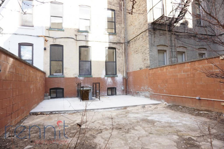 800 KNICKERBOCKER AVE., Apt 1B Image 12