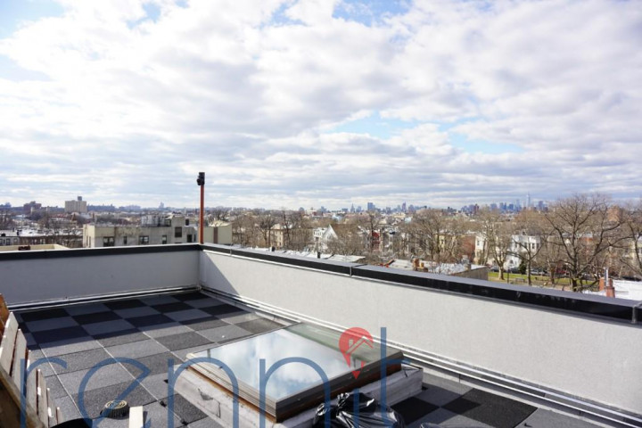 800 KNICKERBOCKER AVE., Apt 2F Image 9