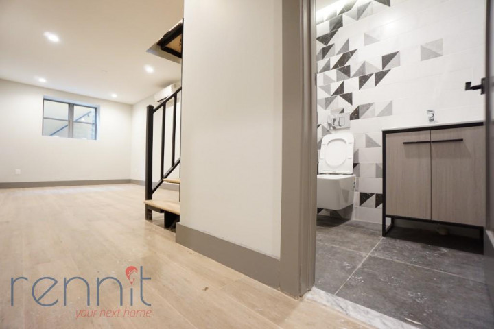 49 Rochester Ave, Apt 1R Image 9