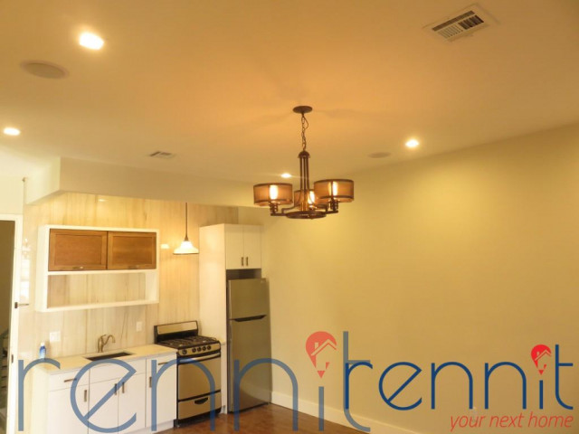 565 Evergreen Avenue, Apt 2B Image 12