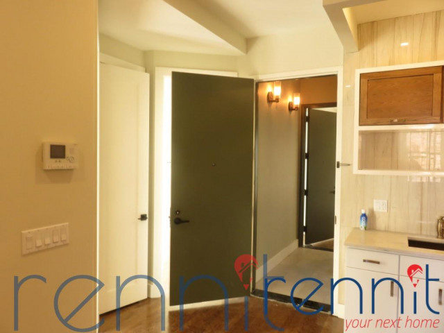 565 Evergreen Avenue, Apt 2B Image 2
