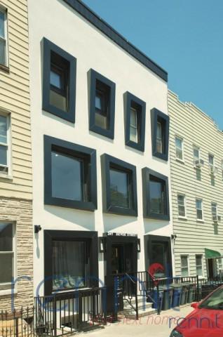 241 Devoe Street, Apt 2R Image 10