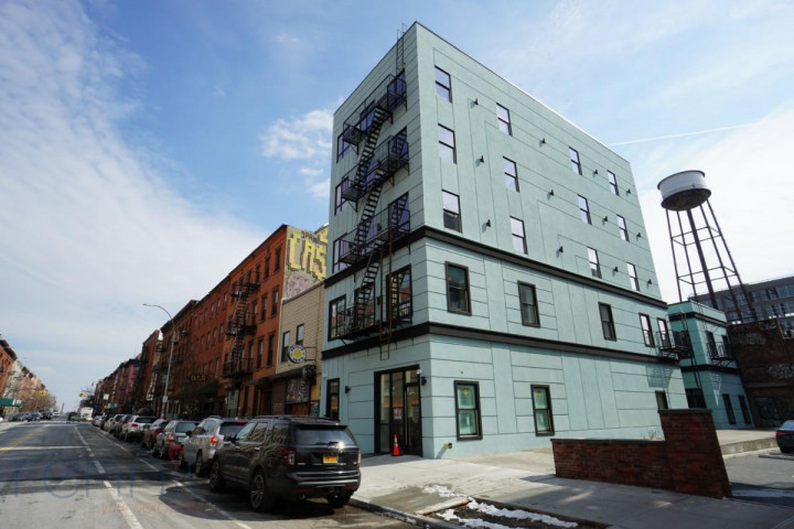 Rennit - 1 BED / 1 BATH / Greenpoint $3,000