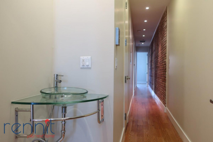 772 Jefferson Avenue, Apt 4L Image 2