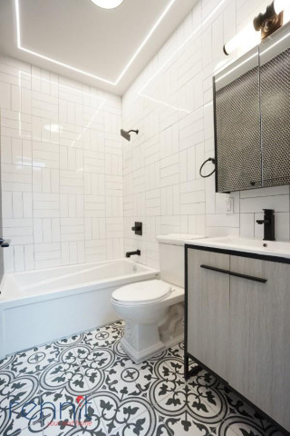 60 Greenpoint Ave, Apt 2D Image 7