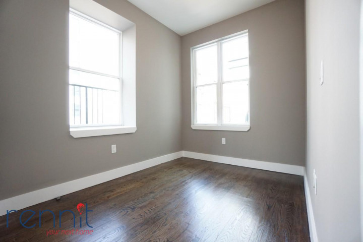 60 Greenpoint Ave, Apt 2D Image 3