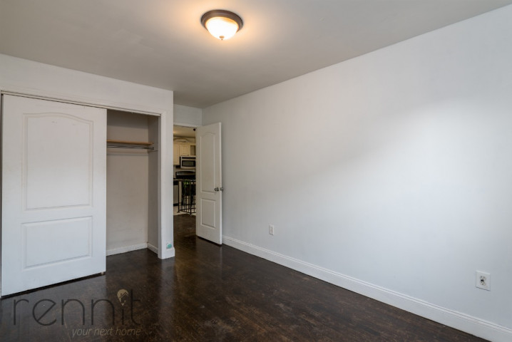 1107 IRVING AVE, Apt 1A Image 4