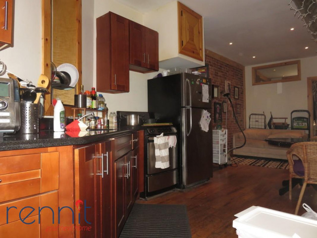 645 Willoughby Ave, Apt 3 Image 12