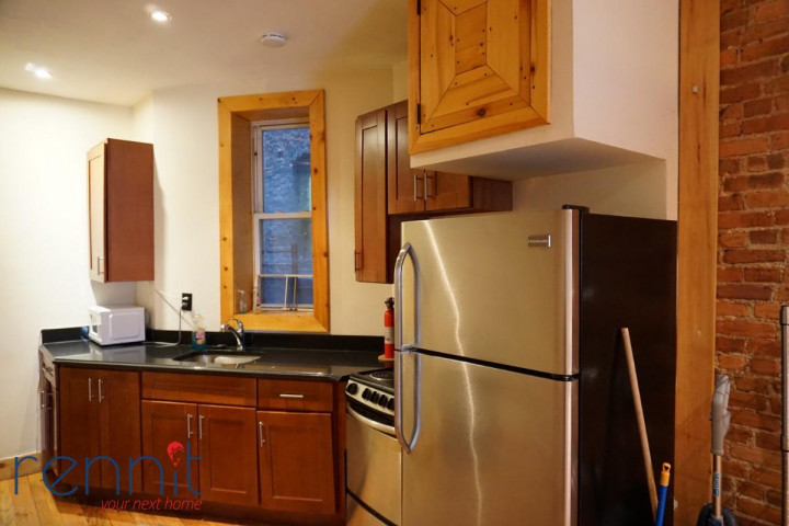645 Willoughby Ave, Apt 3 Image 13