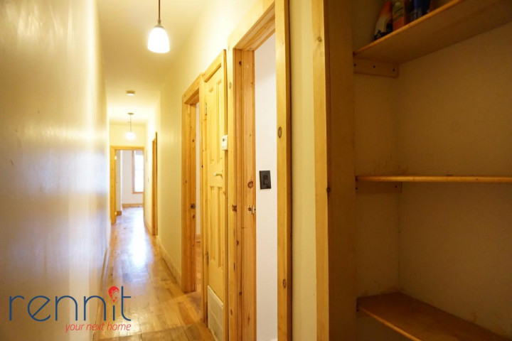 645 Willoughby Ave, Apt 3 Image 7