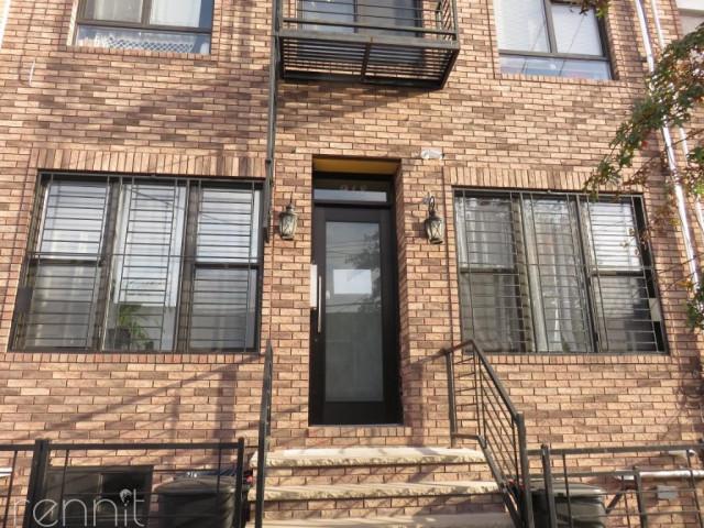 918 Hart Street, Apt 2F Image 20