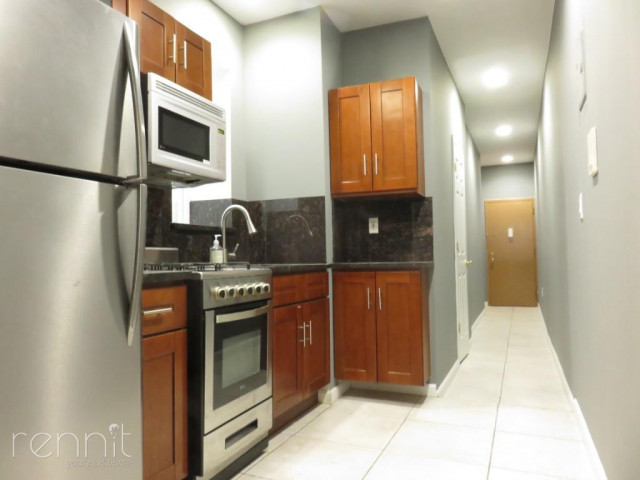 677 Lincoln Place, Apt 7 Image 5