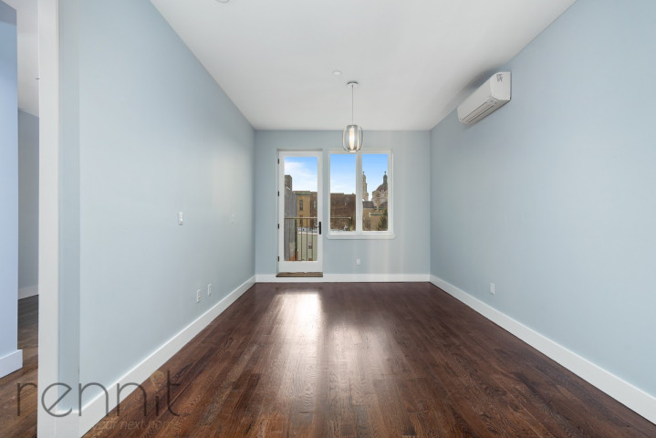 311 Wilson Ave, Apt 4A Image 3
