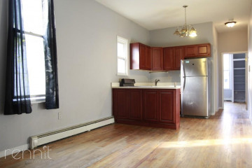 760                      Evergreen Avenue, Apt 1A