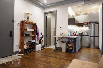272                      THROOP AVE., Apt 2R