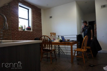 418                      Madison St, Apt 1