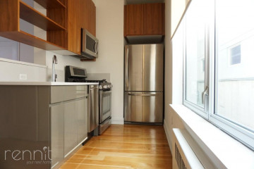 70                      N 4th St, Apt B
