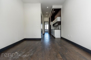 1042                      FLUSHING AVE., Apt 203