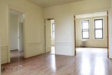 1647                      Park Place, Apt 305