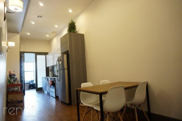728                  Knickerbocker, Apt 2L