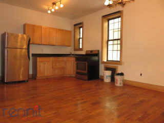 1140                  Saint Johns Place, Apt 3