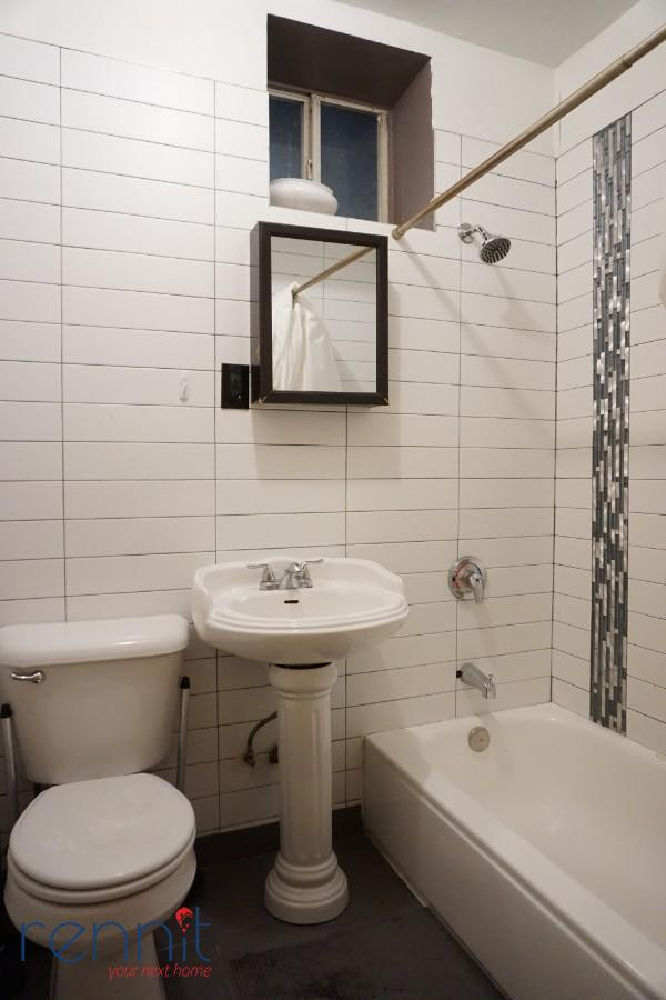 645 Willoughby Ave, Apt 3 Image 6