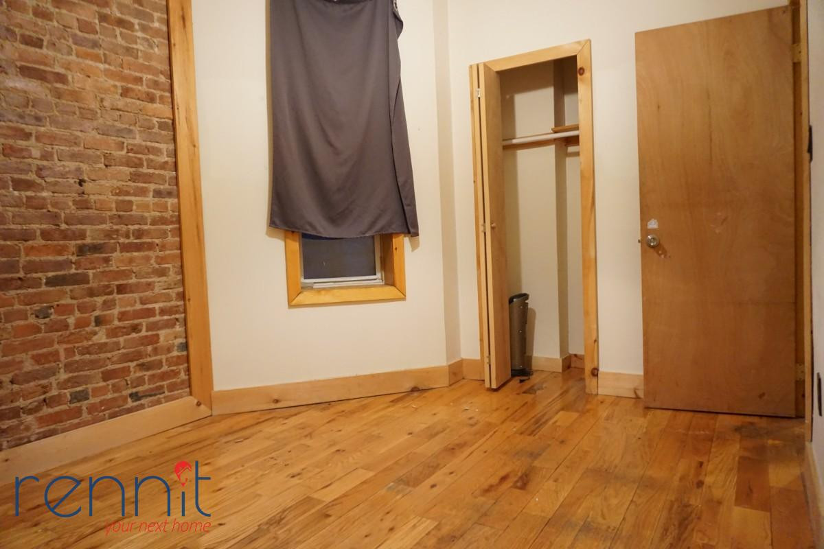 645 Willoughby Ave, Apt 3 Image 5