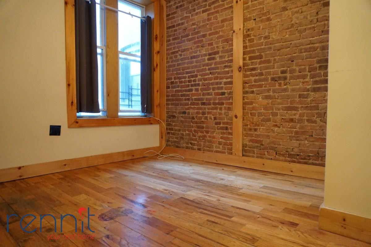 645 Willoughby Ave, Apt 3 Image 11