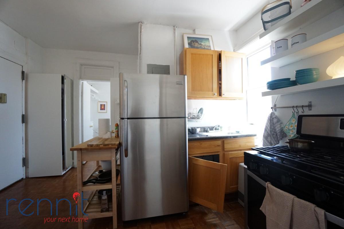 370 Bedford Avenue, Apt 10 Image 7