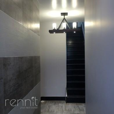 918 Hart Street, Apt 2F Image 15