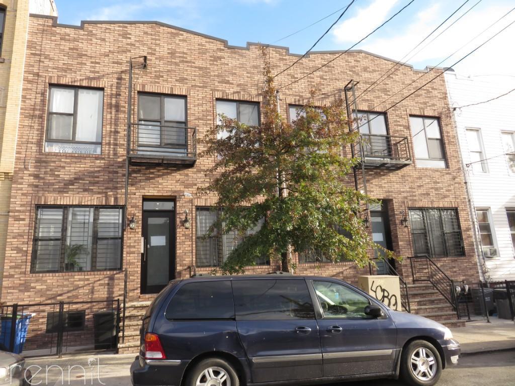 918 Hart Street, Apt 2F Image 13