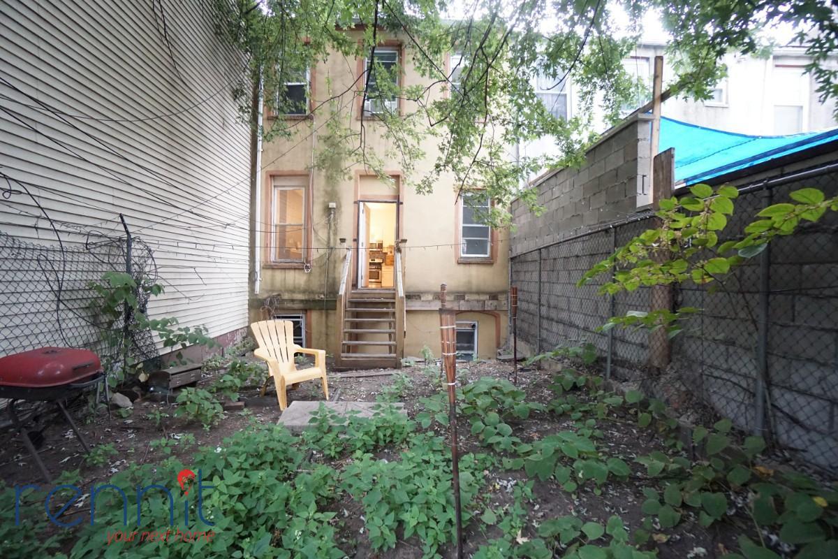 887 Myrtle Avenue, Apt Twonhouse Image 4