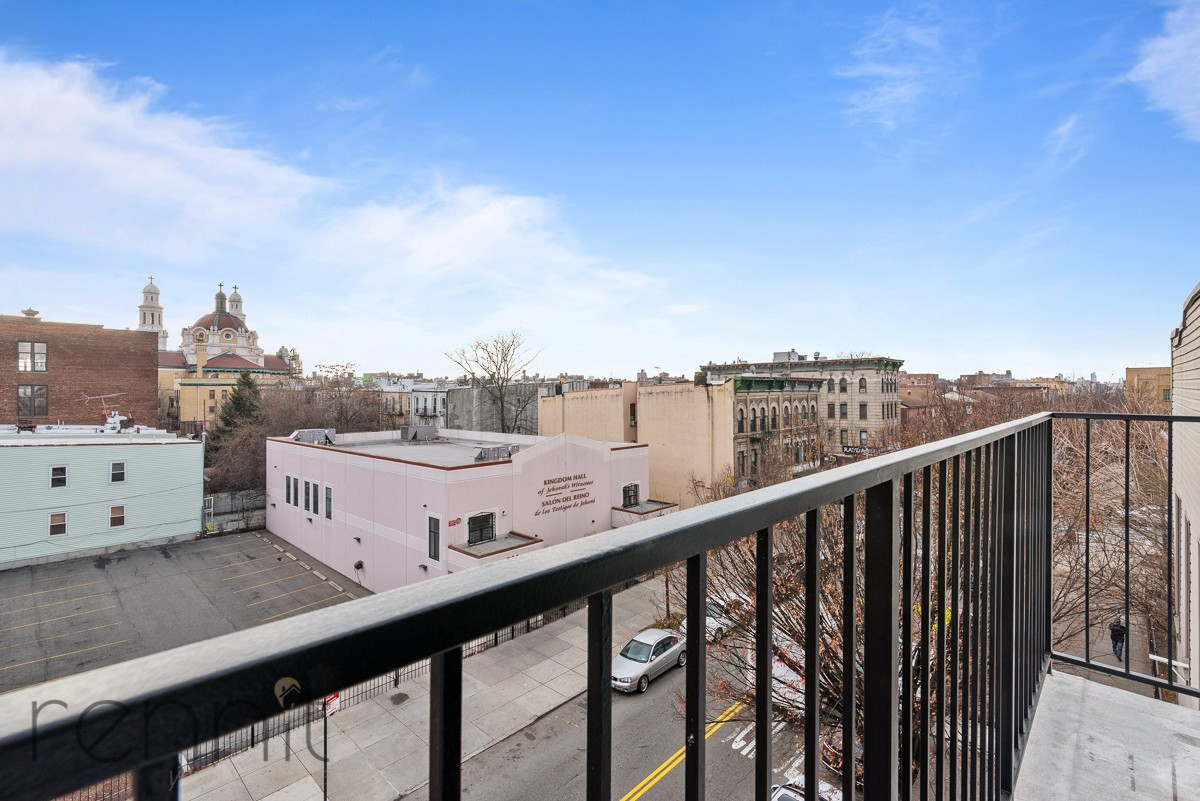 311 Wilson Ave, Apt 4A Image 2